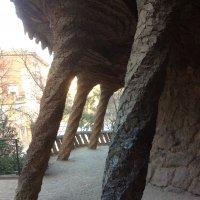 Барселона, парк Гуэль, опять колонны