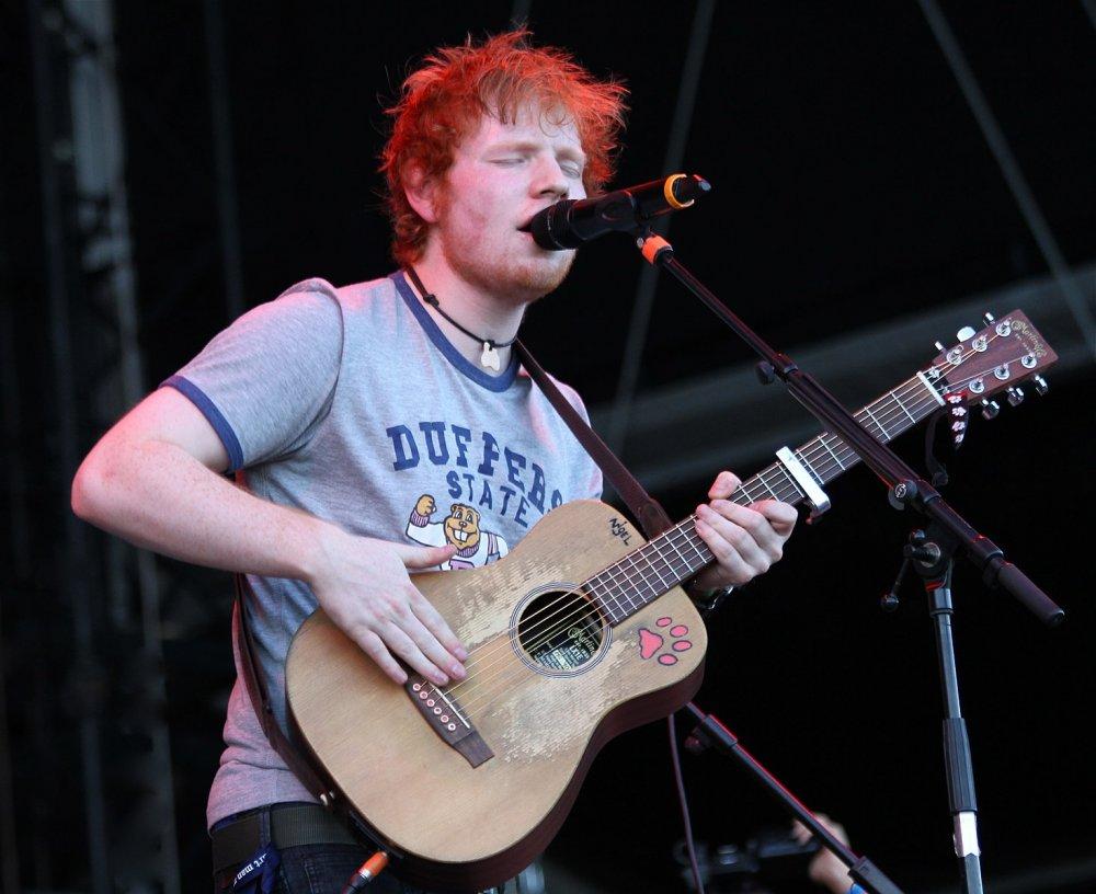 1467px-Ed_Sheeran_at_2012_Frequency_Festival_in_Austria_(7852625324).thumb.jpg.19d10852729c8a2f98a58d1a0419c4fd.jpg